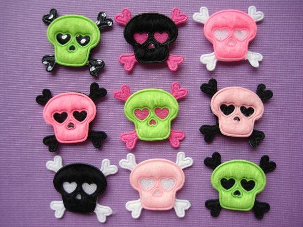 80 furry felt skull crossbone halloween applique gothic for Furry craft