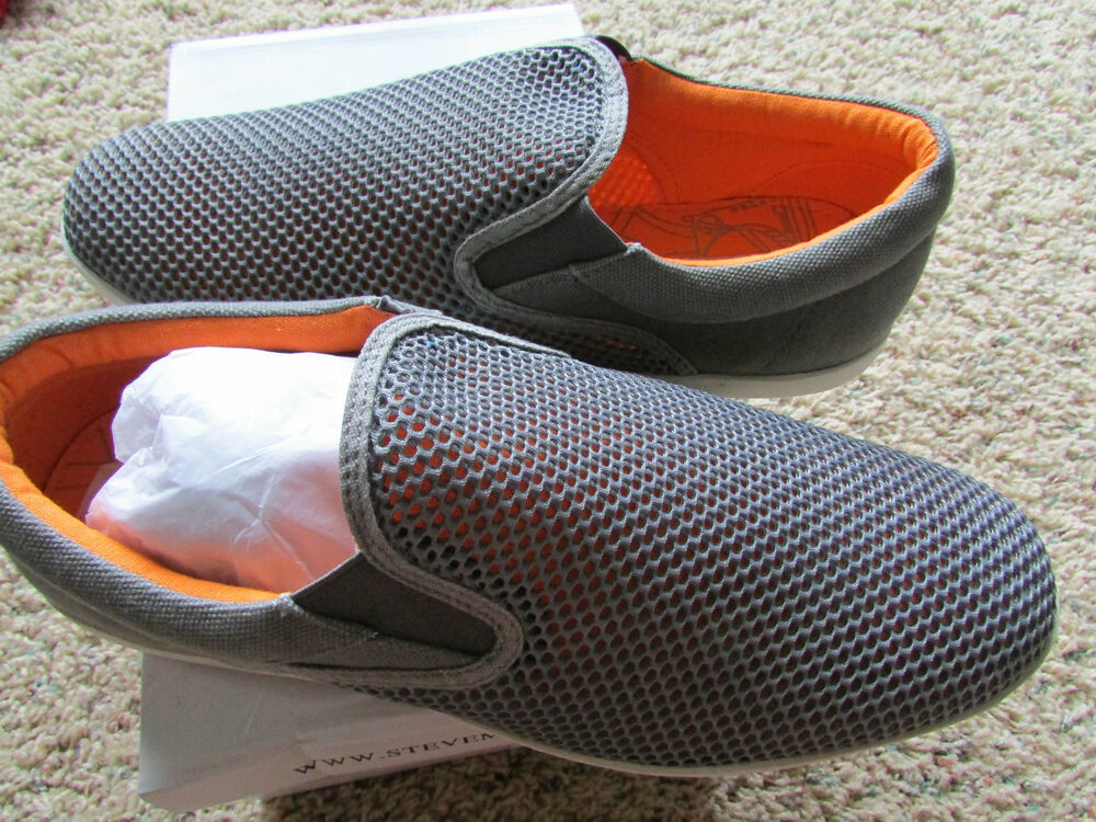Steve Madden White Casual Shoes