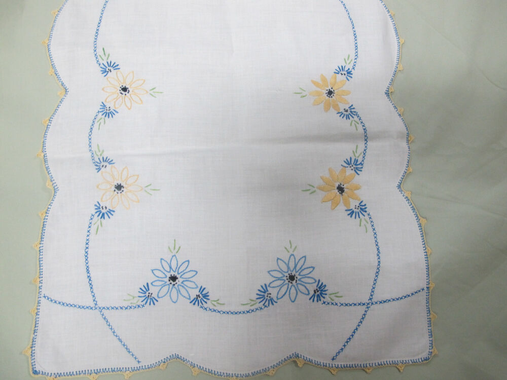 Vintage embroidered dresser scarf table runner embroidery