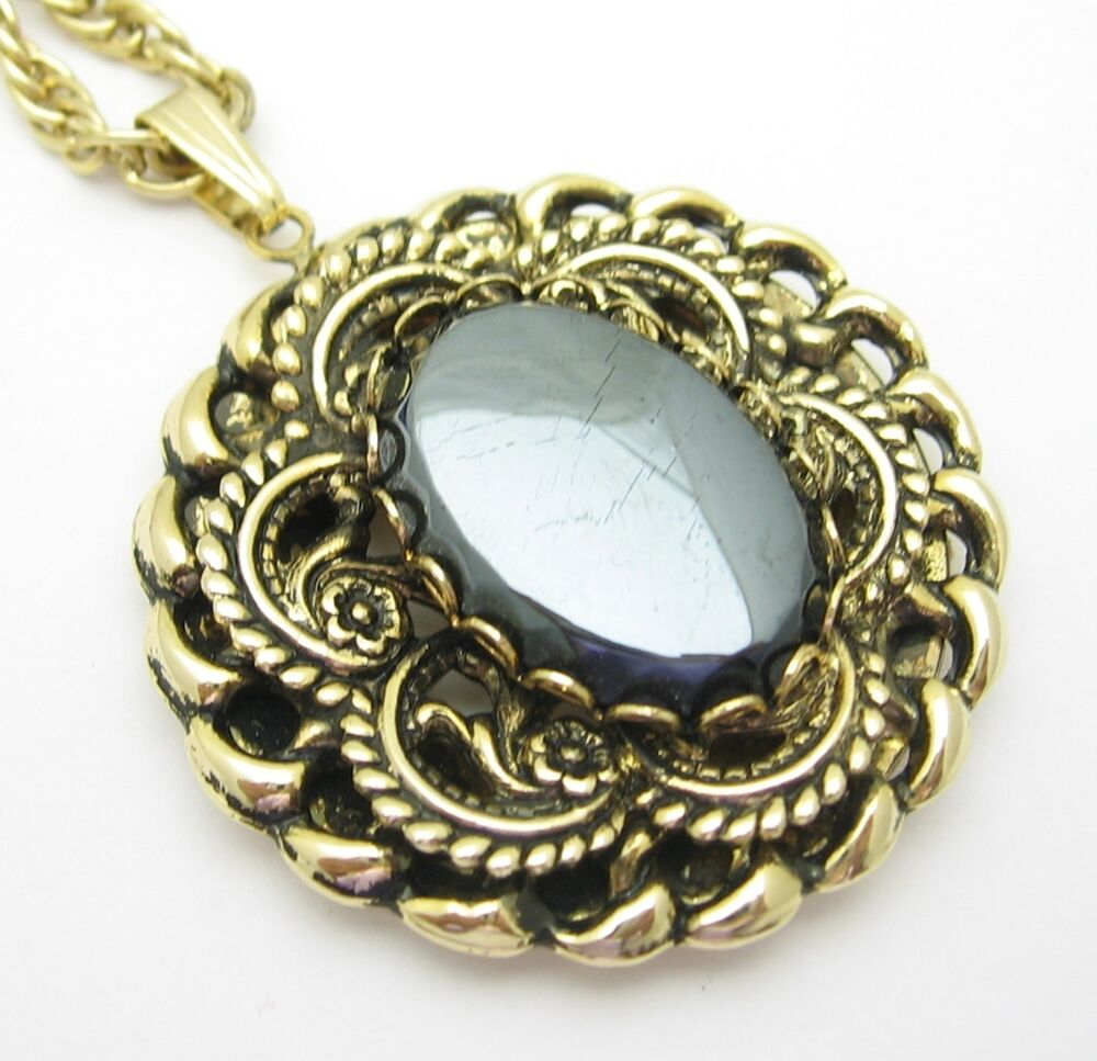 "HEMATITE MEDALLION NECKLACE Vintage Goldtone 24"" Chain"