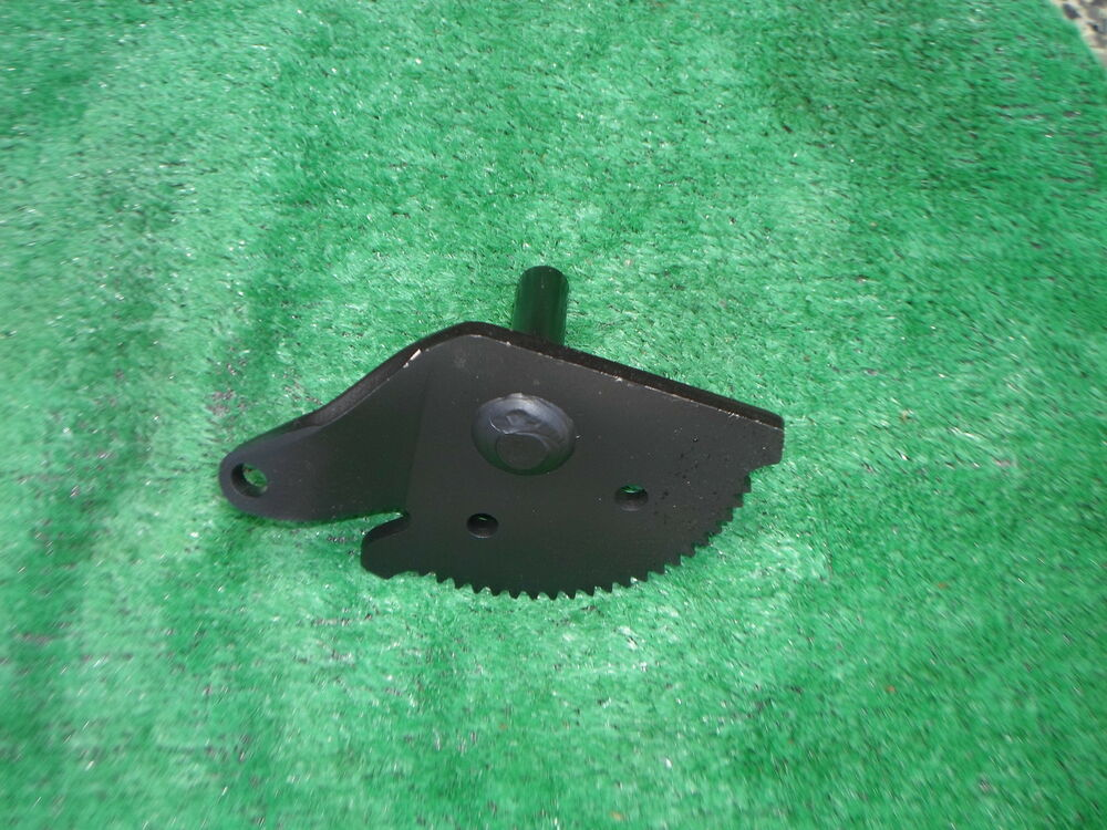 Riding Lawn Mower Gears : Craftsman riding lawn mower steering gear oem