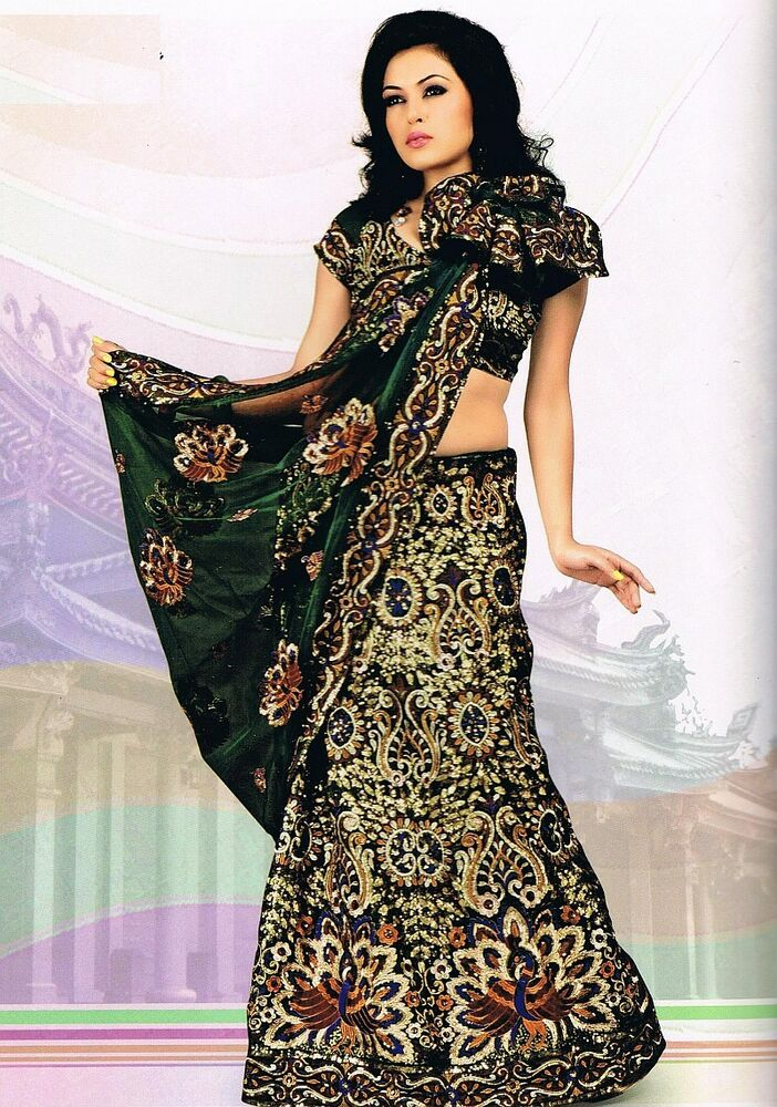 Designer indian saree dress green peacock motif wedding for Trendy dresses to wear to a wedding