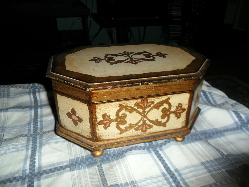Vintage wood tole jewelry box music box made in italy for Jewelry box made of wood