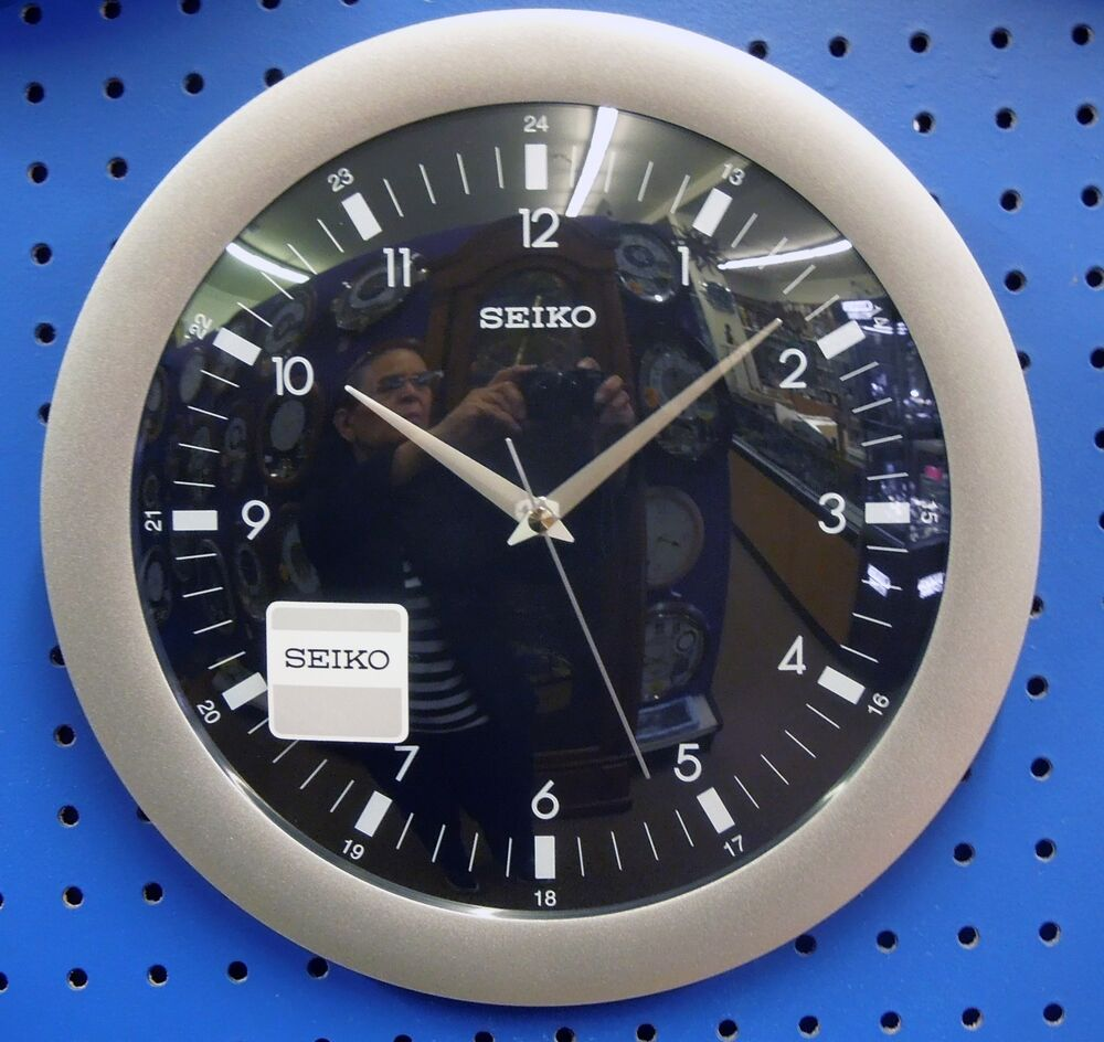 seiko round wall clock 12 in diameter silver surround and