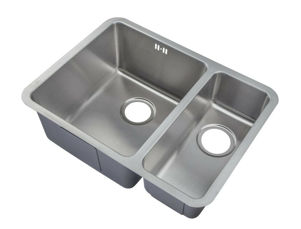 kitchen sinks undermount stainless steel 1 5 bowls brushed stainless steel undermount kitchen sink 8598