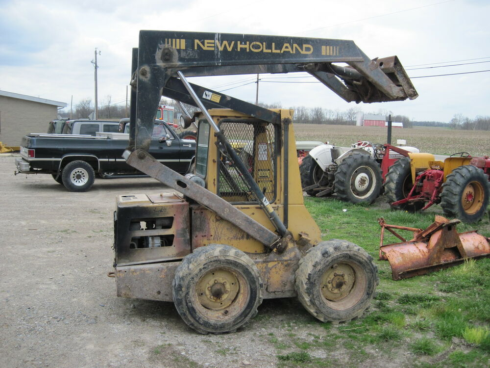 Cylinder Lift Equipment : Hydraulic lift cylinder for boom off a new holland l