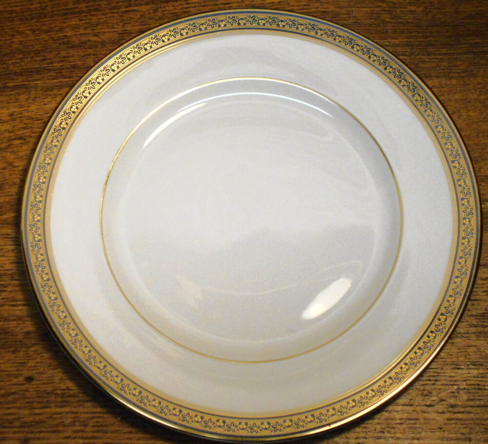 porcelain dinner plate minton fine bone china embassy blue 10 5 8 ebay. Black Bedroom Furniture Sets. Home Design Ideas
