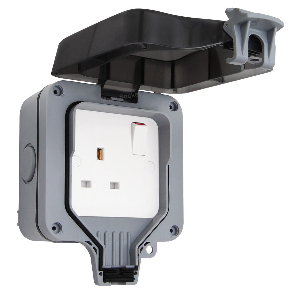 Waterproof Outdoor 13a Storm Switched Single Socket Ip66