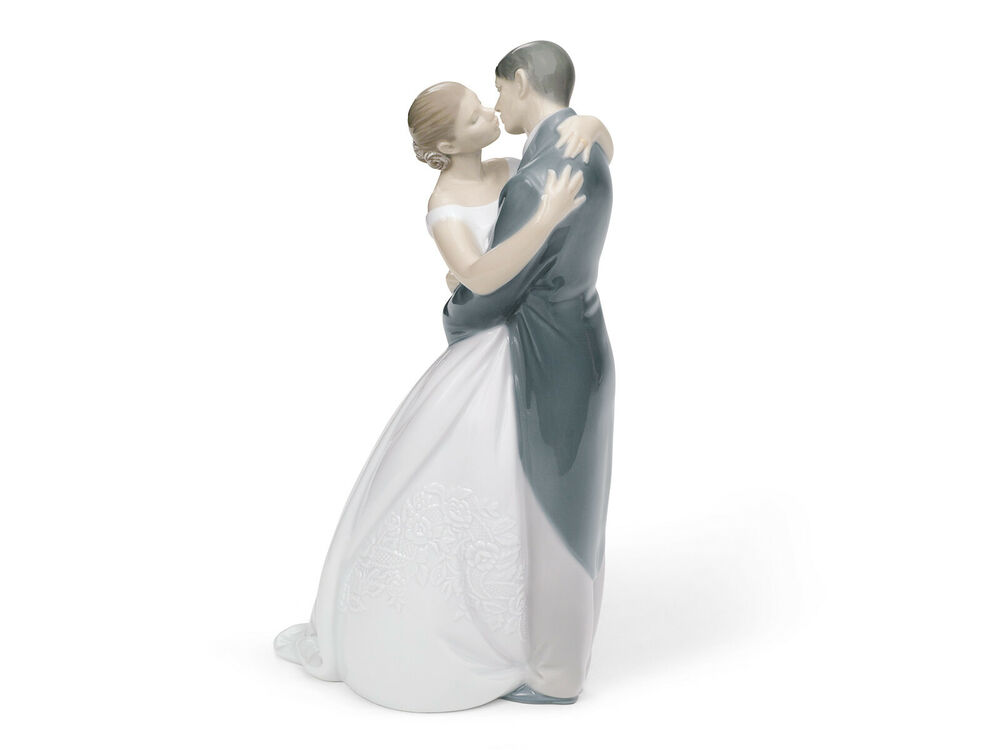 NAO BY LLADRO 1613 A KISS FOREVER BNIB LOVE BRIDE Amp GROOM BRIDAL CAKE TOPPER FS