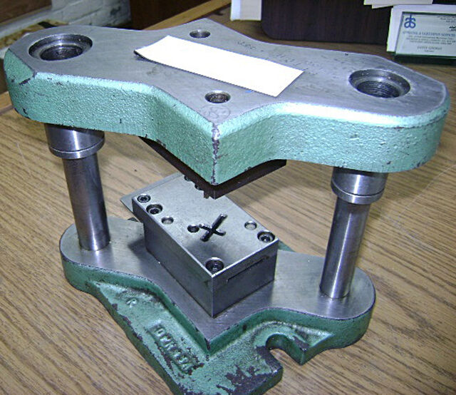 Stamping press tool die set to make religious cross for Metal stamping press for jewelry