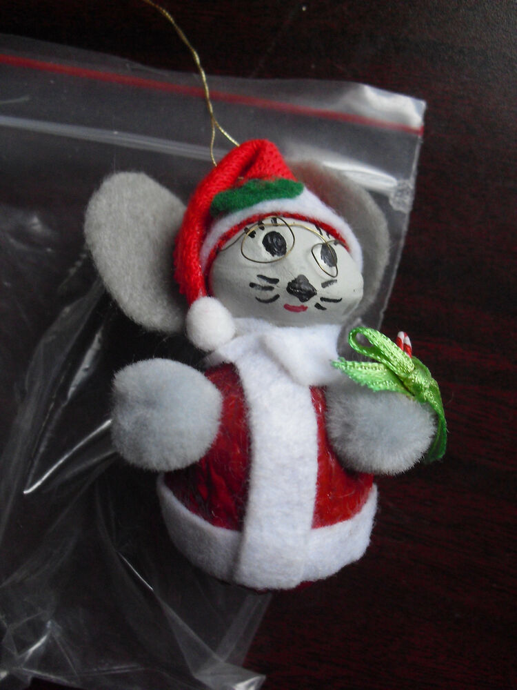 Cool handmade walnut handpainted santa mouse christmas