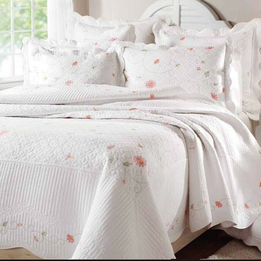 Pink Petals Full Queen Quilt Set White Shabby Garden