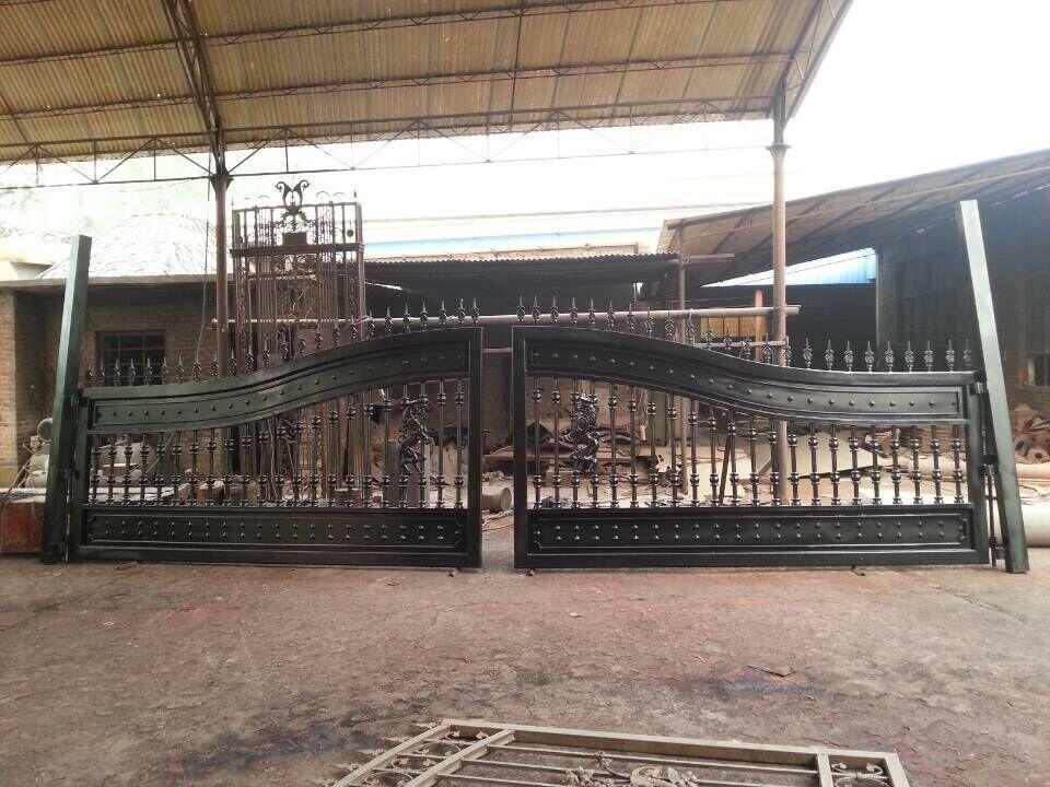 LARGE HAND MADE ESTATE WROUGHT AND CAST IRON DRIVEWAY GATE