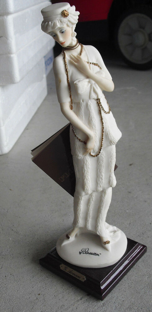 1987 giuseppe armani lady with gold necklace figurine 10 1 2 tall ebay. Black Bedroom Furniture Sets. Home Design Ideas