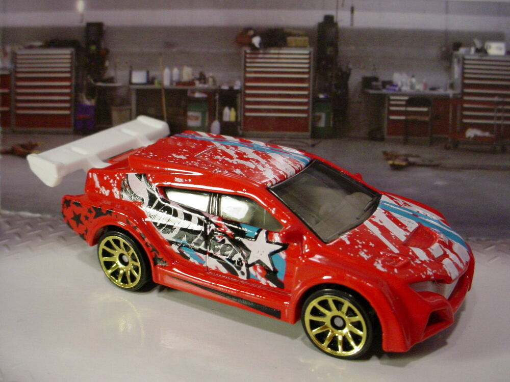 2015 hot wheels loop coupe red white gold 10sp multi pack. Black Bedroom Furniture Sets. Home Design Ideas