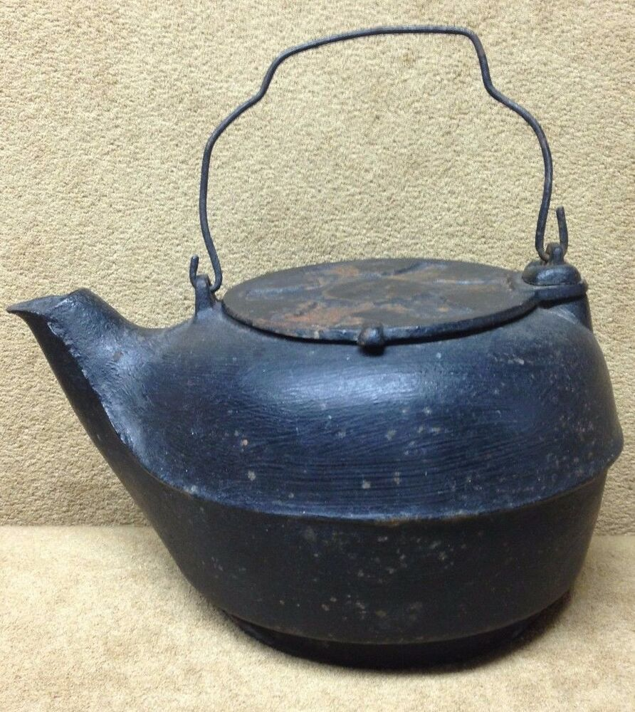 Kettle Cast Iron ~ Antique cast iron campfire coffee pot camp fire camping