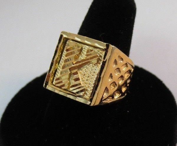 M Initial Ring Gold