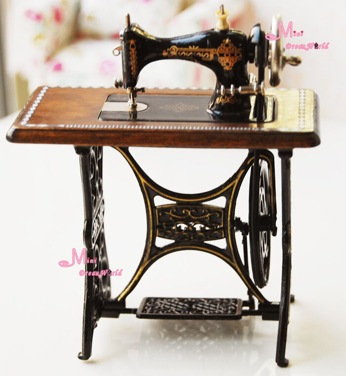 Quality Dark Coffee Sewing Machine Sewing Table 1:12