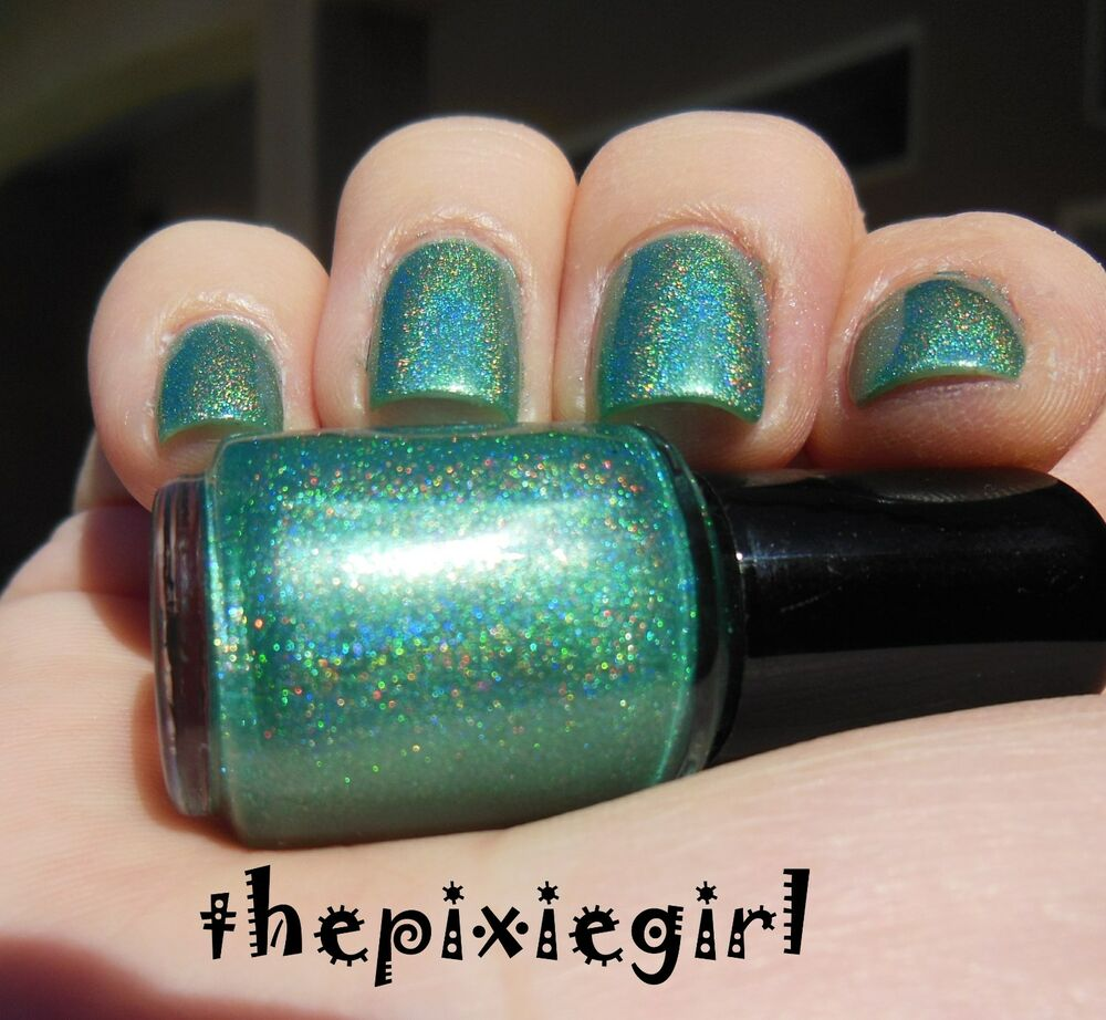 Rainbow Metallic Nail Polish: HOLOGRAPHIC Linear Rainbow Spectraflair Green Nail Polish