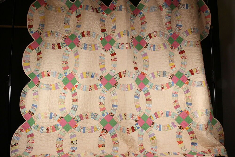 Double Wedding Ring Pattern Hand Sewn Quilt Vtg Fabrics