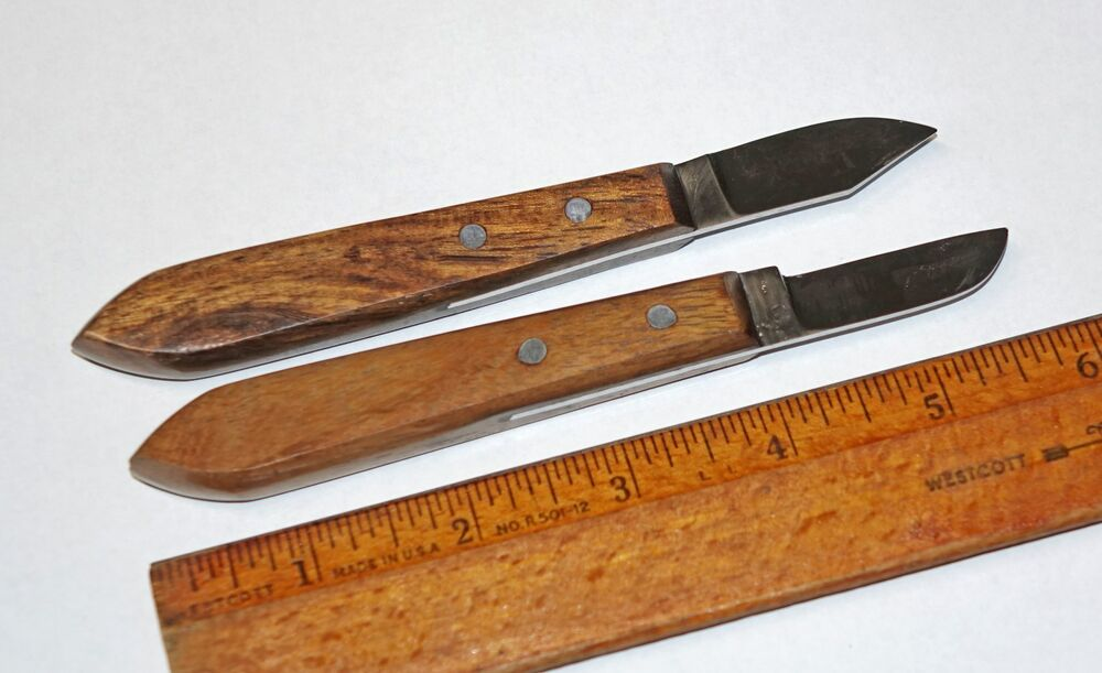Pair of classic chip carving whittling knives old bench