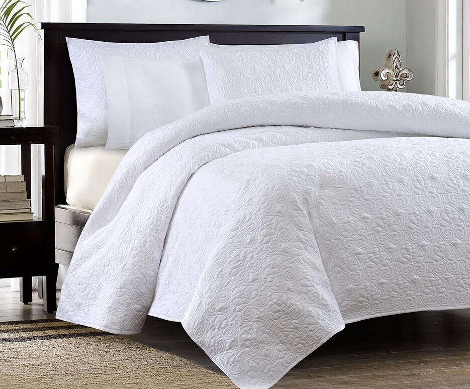 White Matelasse 3p Full Queen Quilt Set Cotton Fill