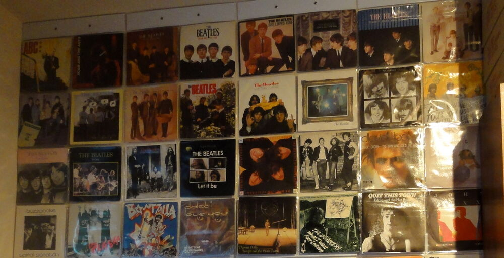 Display 32 X 7 Quot Inch Vinyl Record 45rpm Singles In Wall