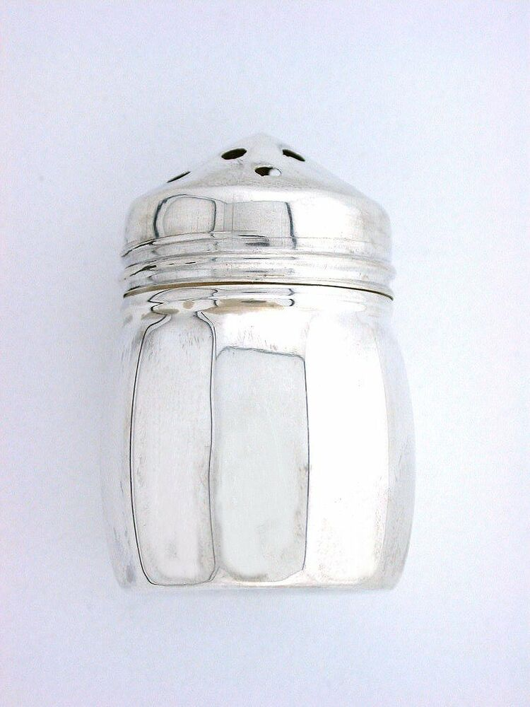 dating salt and pepper shakers