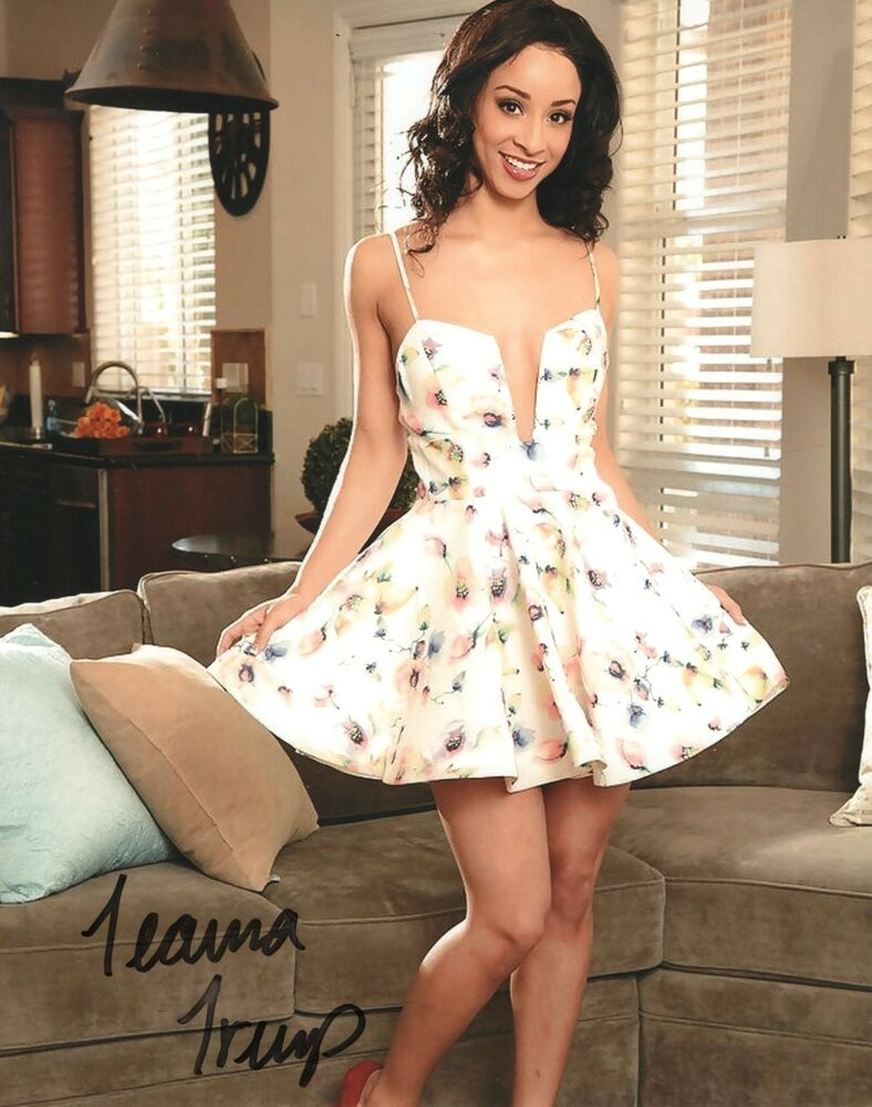 Teanna Trump In A White Dress Adult Model Signed 8X10 -8811