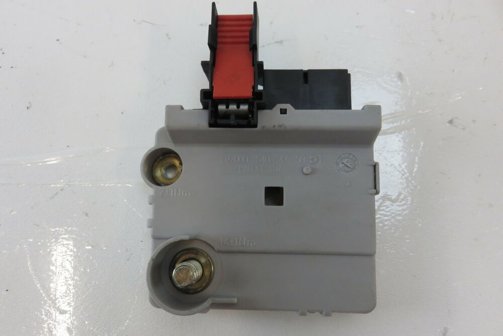 mercedes    junction box fuse link rear