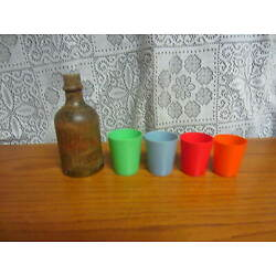 Kyпить 4 - Vintage Beetleware Mini Nesting Cups Shot Glasses In Wood Bottle Container на еВаy.соm