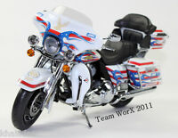 2011 Harley Davidson FLHTC Ultra Classic Electra Glide Diecast Motorcycle 1:12