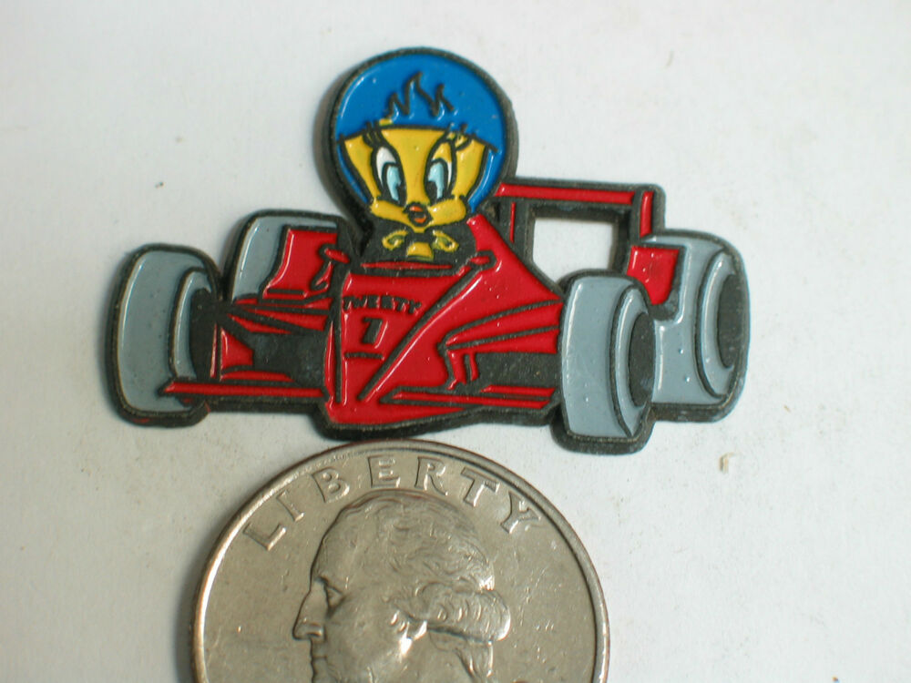 tweety bird race car driver pin lapel pin jewelry cartoon pin badge ebay. Black Bedroom Furniture Sets. Home Design Ideas
