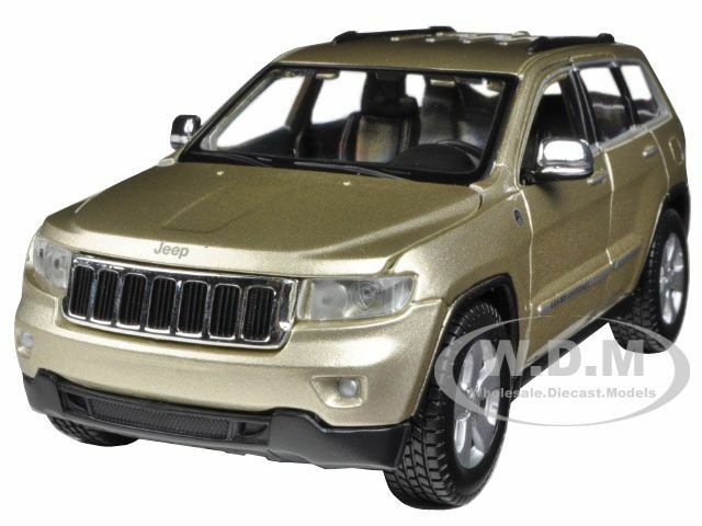 2011 jeep grand cherokee gold 1 24 diecast car model by maisto 31205 ebay. Black Bedroom Furniture Sets. Home Design Ideas