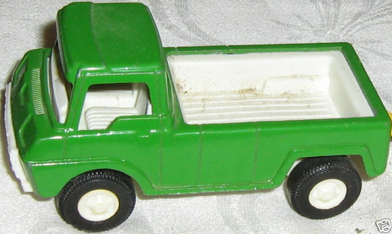 GREEN DIECAST TOOTSIETOY PICK-UP TRUCK 1969 MADEINUSA