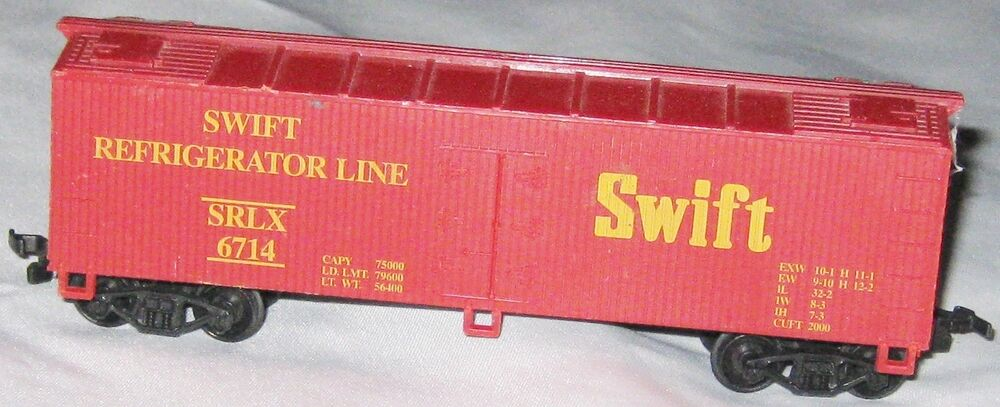 Ho scale red 5 1 2 train trackside swift box car for 2 1 2 box auto