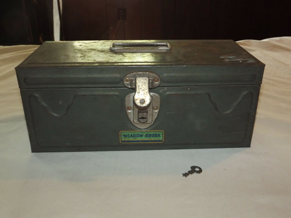 Vintage Fishing Meadow Brook Metal Tool Box Tackle Box Ebay