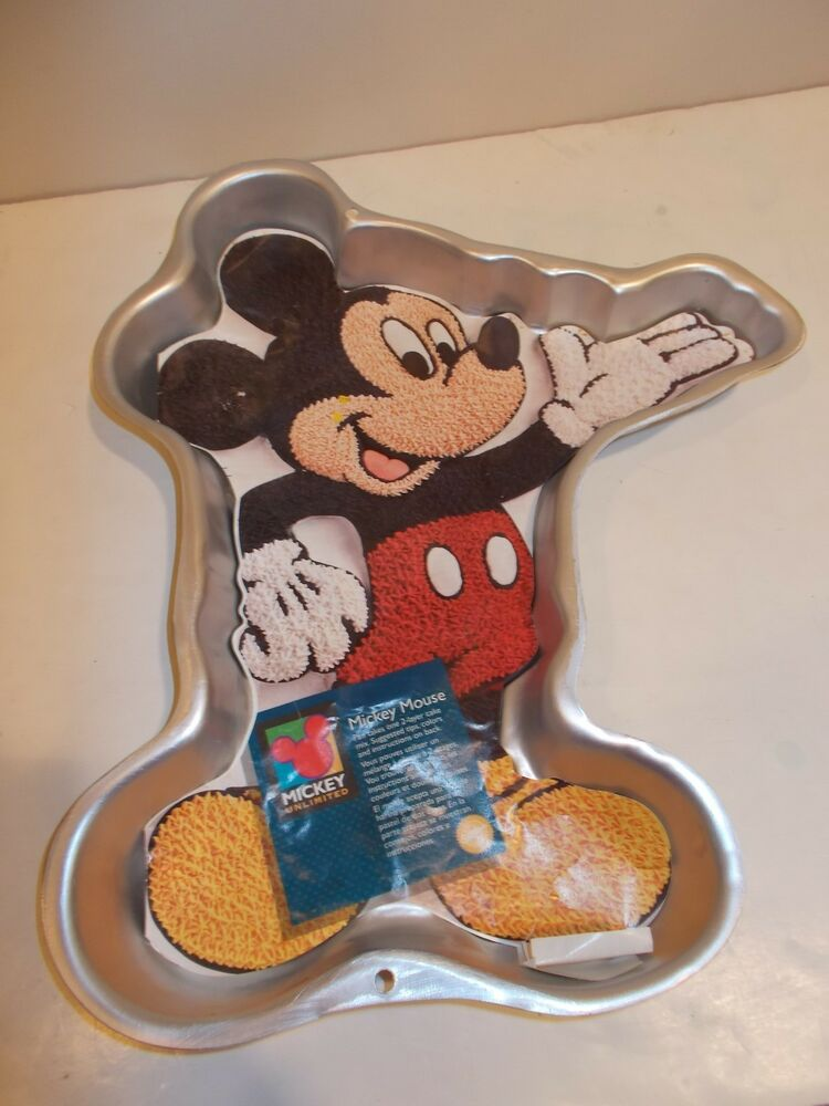 mickey mouse cake pan wilton disney mickey mouse cake pan 1995 classic 5879