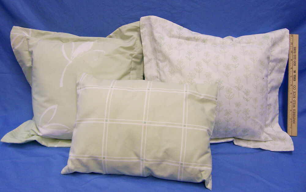 Decorative Pillows For Bed Green : Set 3 Westpoint Stevens White & Green Plaid Leaf Decortive Bed Throw Pillows eBay