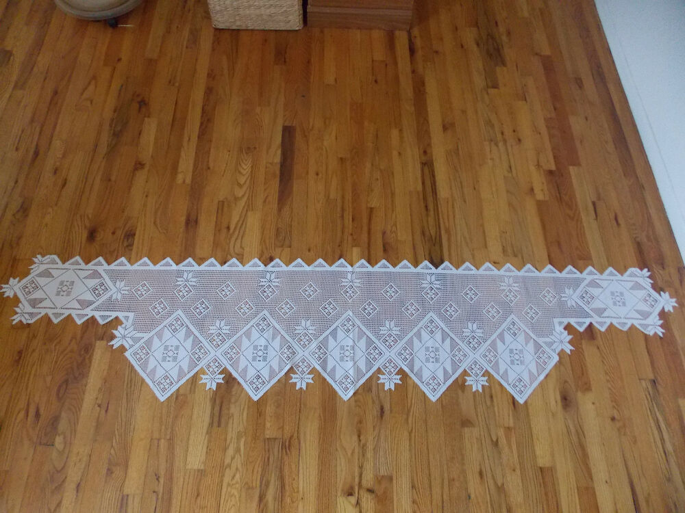 heritage lace white patchwork mantel scarf 96w by 19l item
