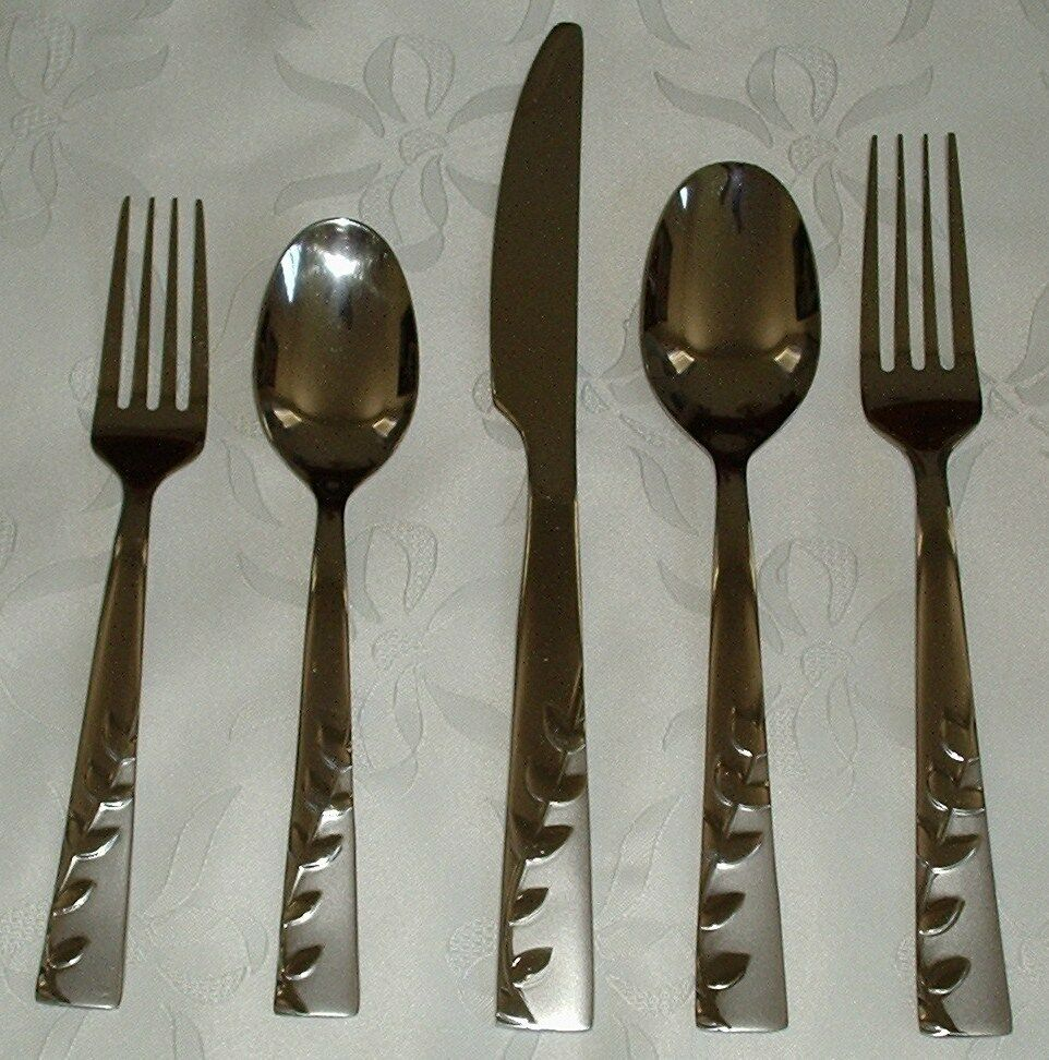 New 5 Pc Cambridge Pretty Blossoms Flatware Stainless