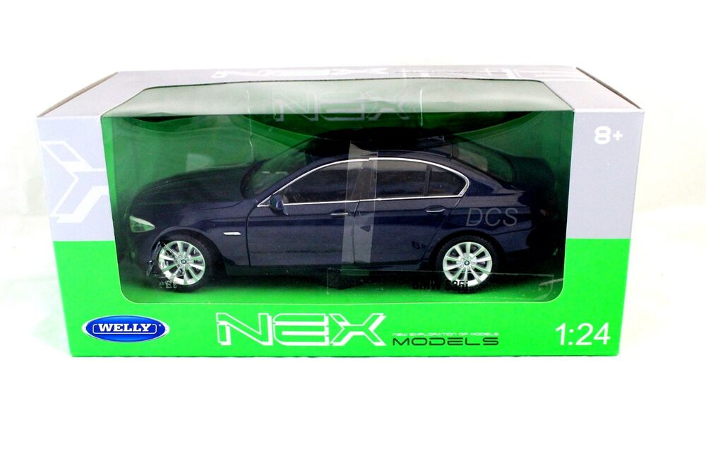 Welly bmw 535i blue new in box 1 24 diecast cars 24026w bl for 1 1 2 box auto
