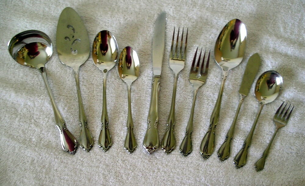 Oneida Deluxe Stainless Chateau Flatware Glossy Floral