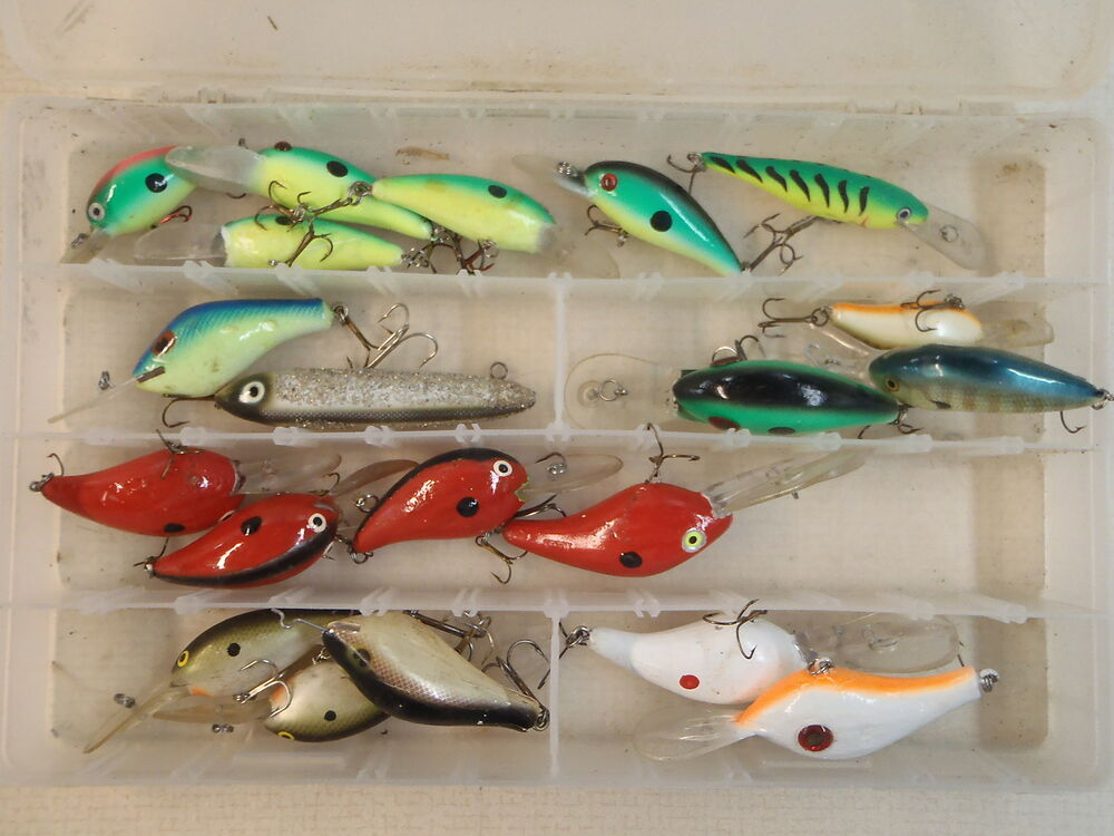 Assortment hook bait fishing lures pack of 20 ebay for Fishing lure collection