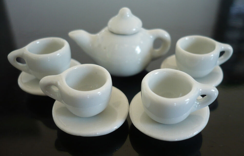 Tiny White Coffee Cup With Suacer Teapot Dollhouse