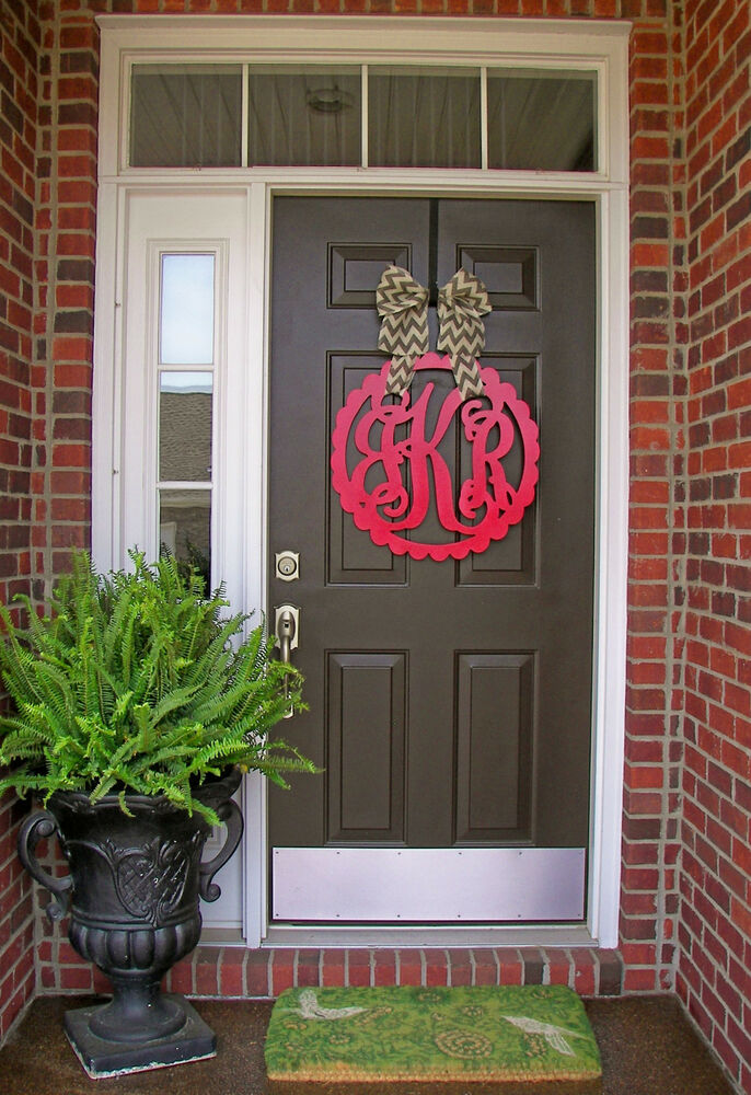 wooden monogram red door hanger  wreath  initial  burlap bow  decor  scalloped circle