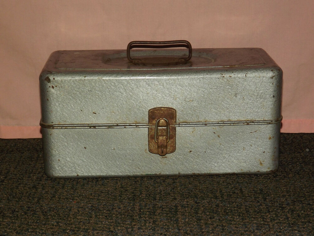 Vintage old union utility chest fishing tackle metal tool for Fishing tool box