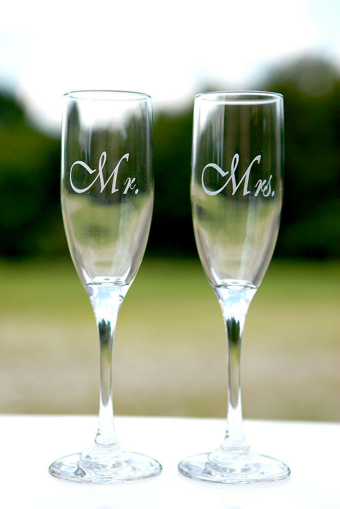 2 Personalized Mr Mrs Wedding Toasting Champagne Flute