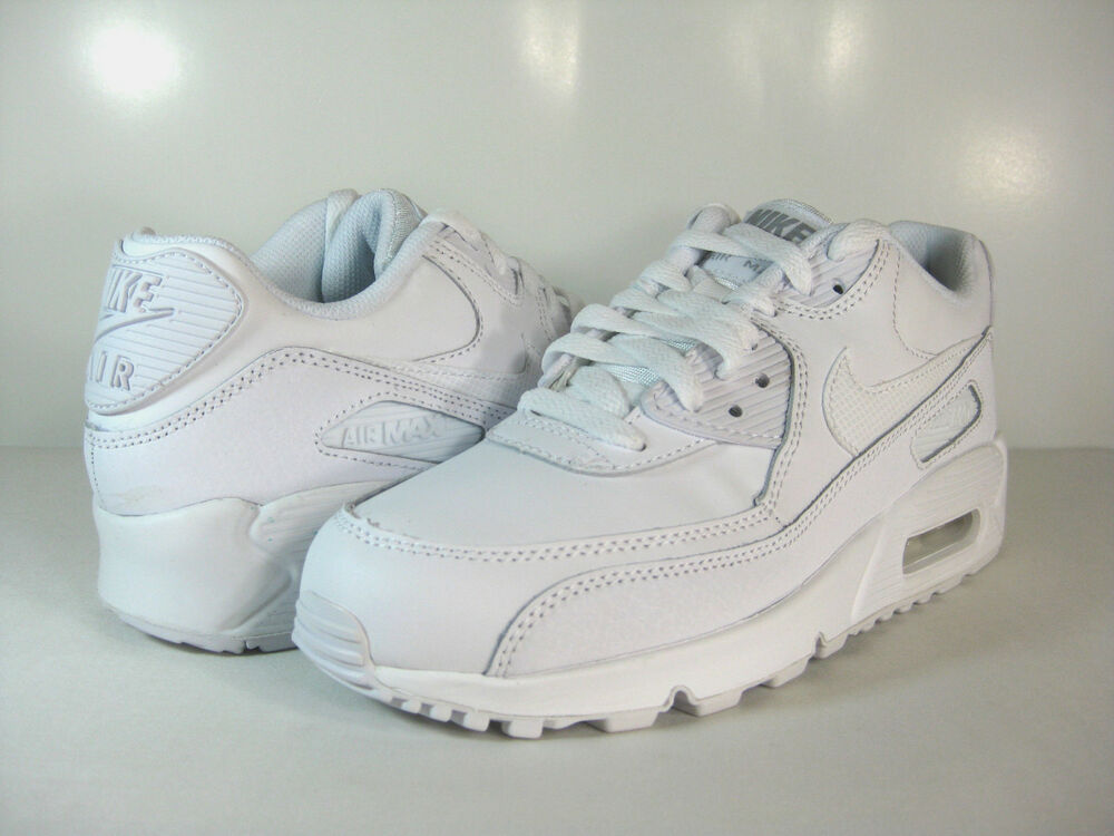 nike air max 90 gs white wolf grey 307793 167 us boys. Black Bedroom Furniture Sets. Home Design Ideas