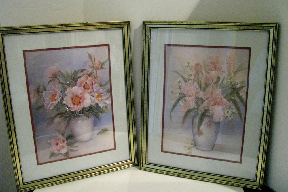 A Pair Of Anna Chen Signed Framed Floral Prints In Nicely